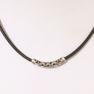 Jewelry - Leather silver choker necklace
